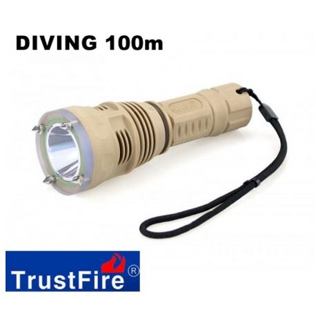Torcia Subacquea impermeabile 100m TrustFire DF-001 CREE LED 650lm