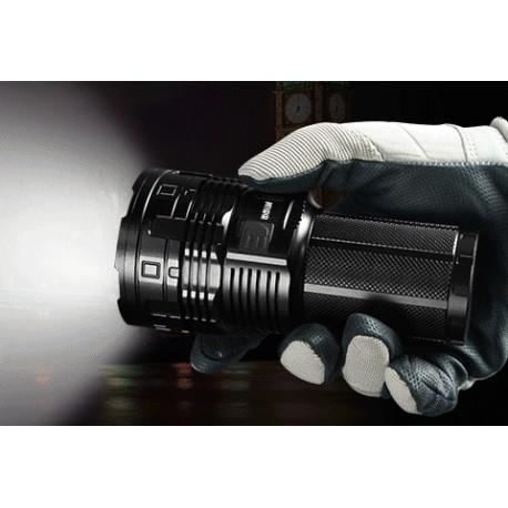 Linterna recargable LED Imalent DT70 4 LED XHP70 16000 LM 700m